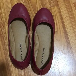 The Lucky Brand flat, deep red
